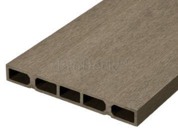 Schuttingplank • composiet • vergrijsd bruin • zelfbouw • 400x20x2,5 cm