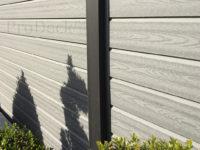 composiet-schutting-stapelplank-grijs-houtnerf-palen-antraciet-aluminium-0588-2